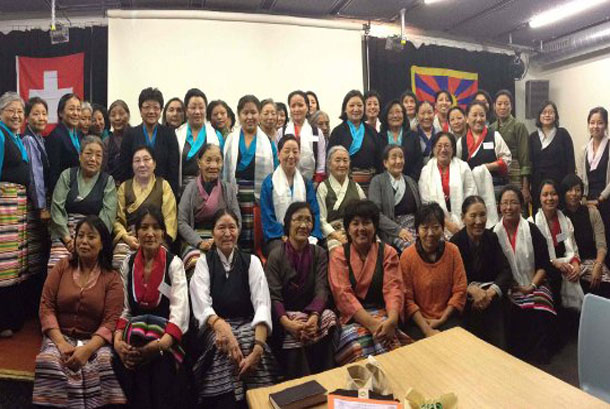 Kalon-Dicki-Chhoyang-with-Tibetan-Womens-Assocation-in-Switzeralnd