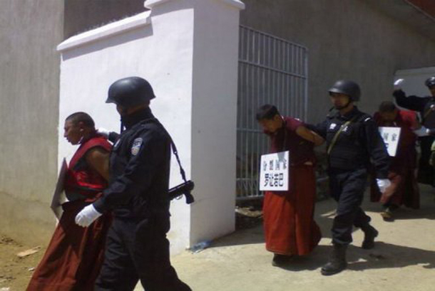 30 october 2012-001 monks-arrest-tibet