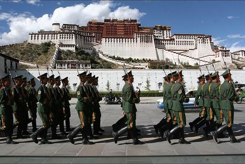 Chinese army in Lhasa