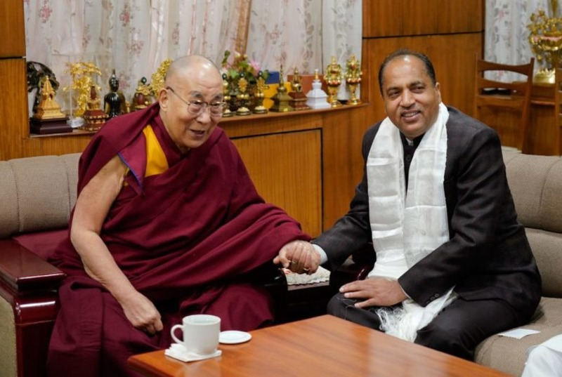 Chief Minister Shri Jai Ram Thakur calls on His Holiness the Dalai Lama at his residence, Dharamshala, February 1, 2018. Photo: OHHDL