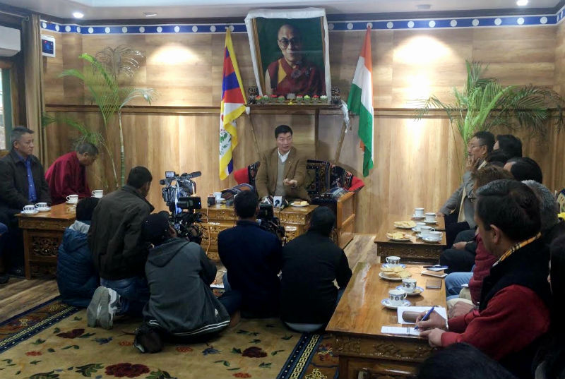 President Dr Lobsang Sangay speaking to  a delegation of around 40 Indian journalists who paid a visit  to the Central Tibetan Administration in Dharamshala, India, Thursday Morning, January 11, 2018. Photo: TPI