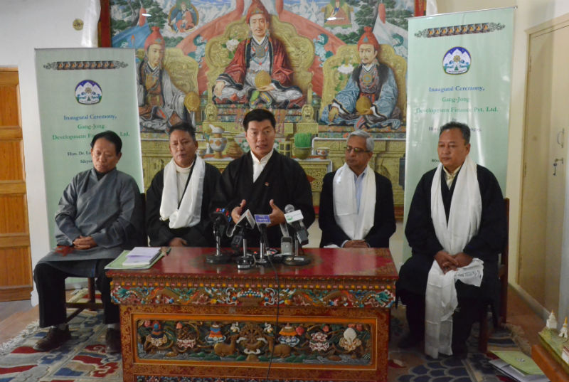 From left: Finance Secretary Trinley Gyatso, Finance minister Karma Yeshi, President Dr Lobsang Sangay, MFin expert Alok Prasad, and Chief planning Officer Dr Kunchok Tsundue at the press conference in Dharamshala, India, on January 17, 2018. Photo: TPI/Yeshe Choesang