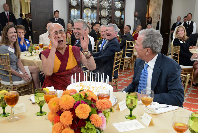 George-W-Bush-Dalai-Lama-Tibet-US-2015-2