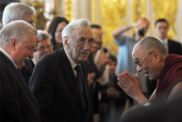 Tadeusz Mazowiecki: His Holiness Expresses Condolences Over Passing Of Former