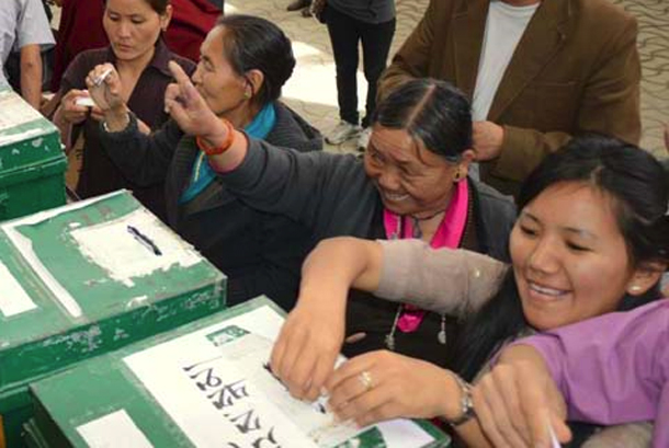 human rights in tibet essay Human rights we strive to bring human rights issues in tibet to international attentionwe do this by engaging the un and other international institutions and treaty bodies, as well as other key stakeholders, with reports, oral advocacy, and publications based on legal and field research that document the grave human rights situation in tibet.