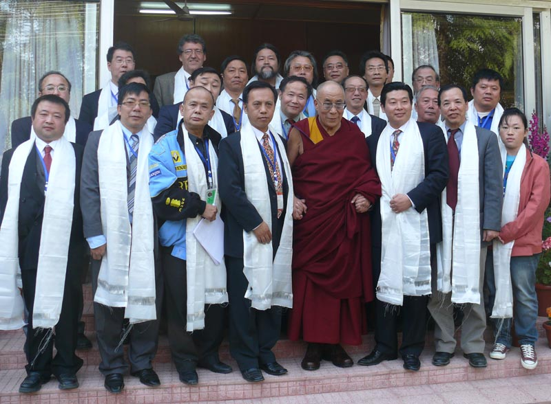Members of Chinese Democractic activists from 9 countries meeting with His Holiness the Dalai Lama in Dharamshala, India on 10 March 2010. Photo: TPI