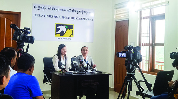 TCHRD Researcher Tenzin Dawa and Director Tsering Tsomo during a press briefing in Dharamshala, India July 27, 2018. Photo: TPI/Yangchen Dolma