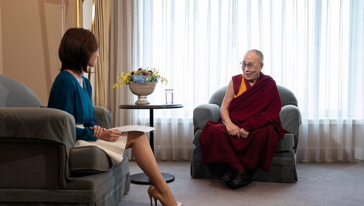 His Holiness the Dalai Lama and Rina Yamasawa of NHK during their interview in Yokohama, Japan on November 13, 2018. Photo by Tenzin Choejor