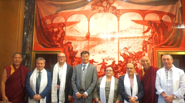 CTA President Dr Lobsang Sangay with members of the Spanish Parliament, 31 October 2018. Photo/Sikyong Office