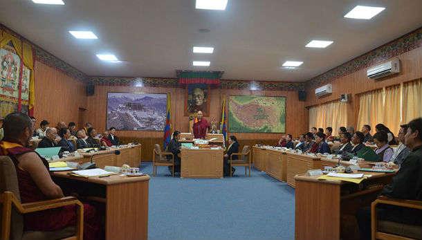 Khenpo Sonam Tenphel, Speaker of the Tibetan Parliament-in-Exile delivering the opening remarks of the sixth session of the 16th Tibetan Parilament-in-Exile, in Dharamshala, India, on September 18, 2018. Photo: TPI/Yangchen Dolma