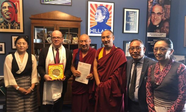 Tibetan parliamentary delegation and Representative Ngodup Tsering with Congressman Jim McGovern, in Washington DC, USA, on June 19, 2019. Photo: Office of Tibet, Washington DC