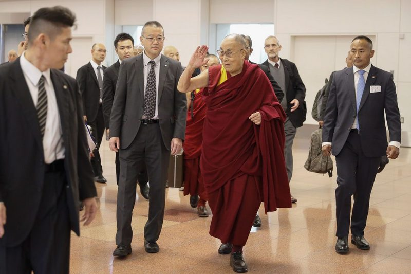 His Holiness the Dalai Lama arriving at Haneda Airport in Tokyo, Japan on November 12, 2018. Photo by Tenzin Jigme