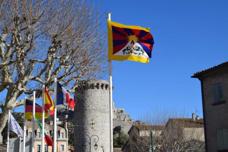 Tibetan flag raised at the town hall of Sisteron, France. Photo: Office of Tibet, Brussels