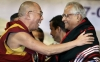 His Holiness the Dalai Lama with former Indian Defence Minister George Fernandes during a function in Bangalore, Januar 17, 2008. Photo: Getty Images