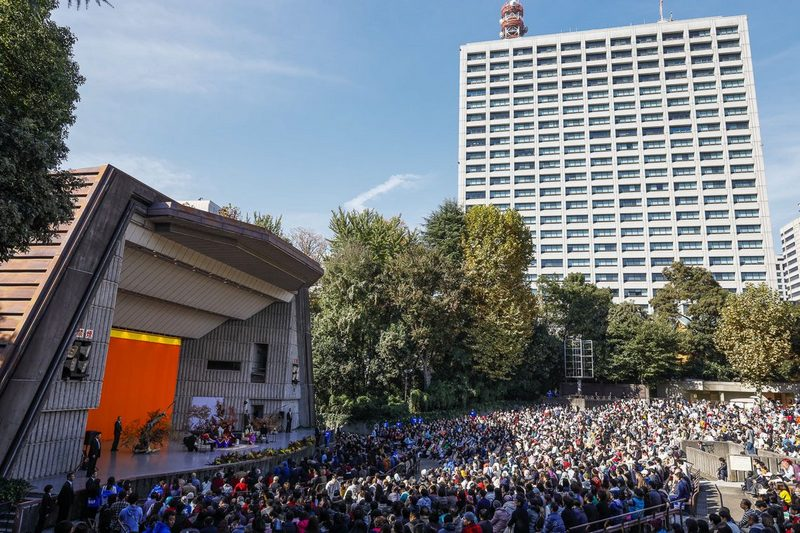 A view of the stage and surroundings during His Holiness the Dalai Lama's talk at the Hibiya Open-Air Concert Hall in Tokyo, Japan on November 17, 2018. Photo by Tenzin Jigme